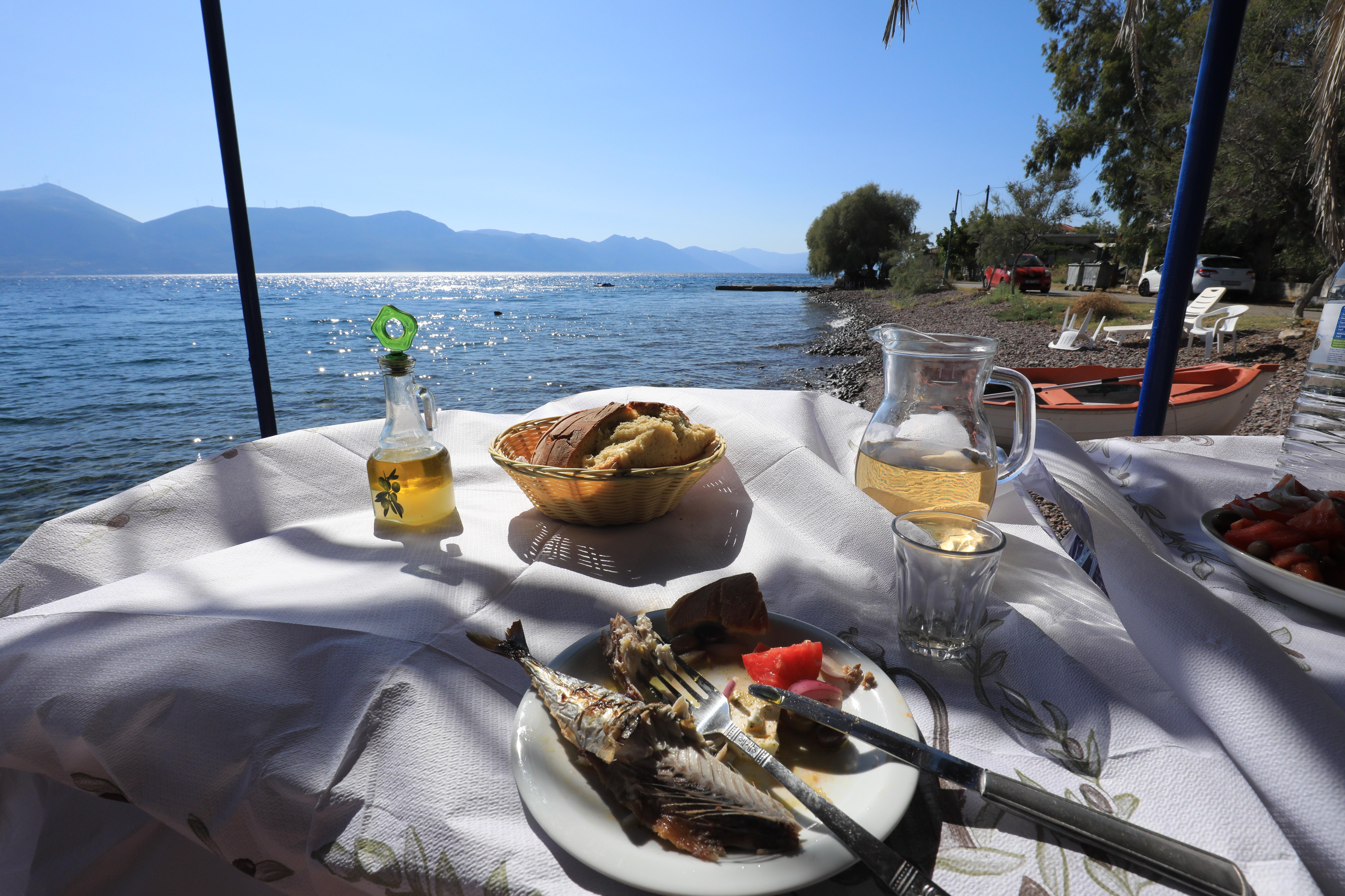 Ryby, wino, oliwa z cytryną o smaku naturalnym